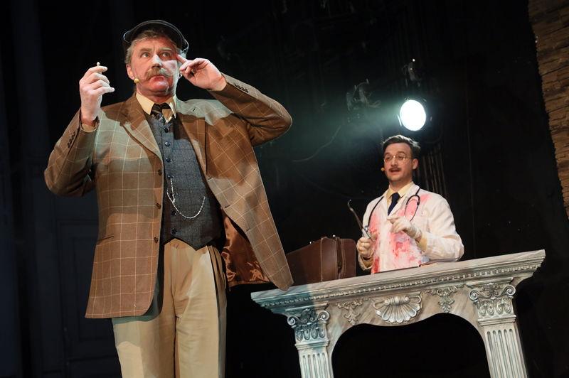 Инспектор Мартин - Юрий Голубцов, Ватсон - Никита Заболотный (фото Елены Лапиной)