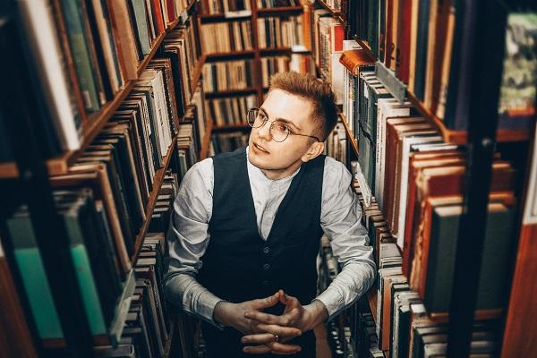Александр Лазухин