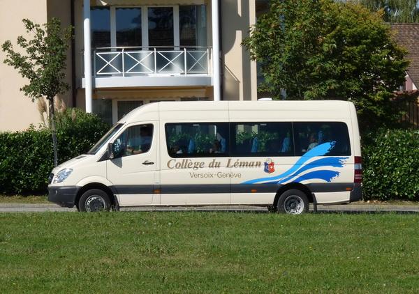 01-Minibus_du_Collège_du_Léman